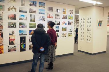 「日中青少年写真書画交流展」に参加。